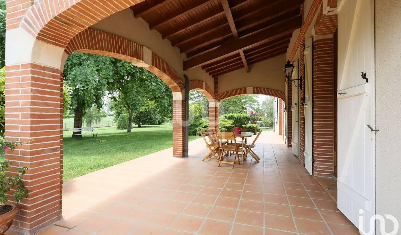 Maison avec terrasse Bruguières