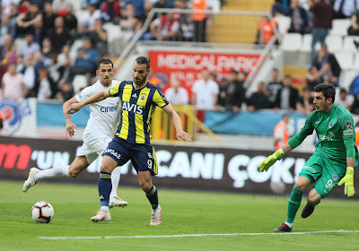 Officiel : Un ancien joueur du Real Madrid et de Tottenham fait son retour en Liga, Séville signe un joueur de Porto