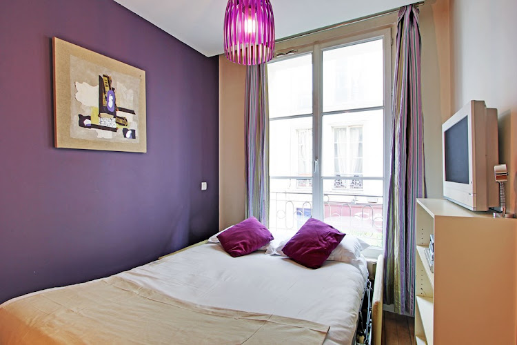 Bedroom at Studio Apartment on Rue Du Temple