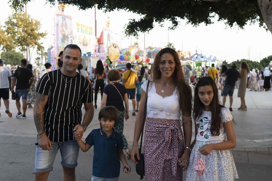 En la foto: Sandra, José, Sandra (10) y Dylan (6)