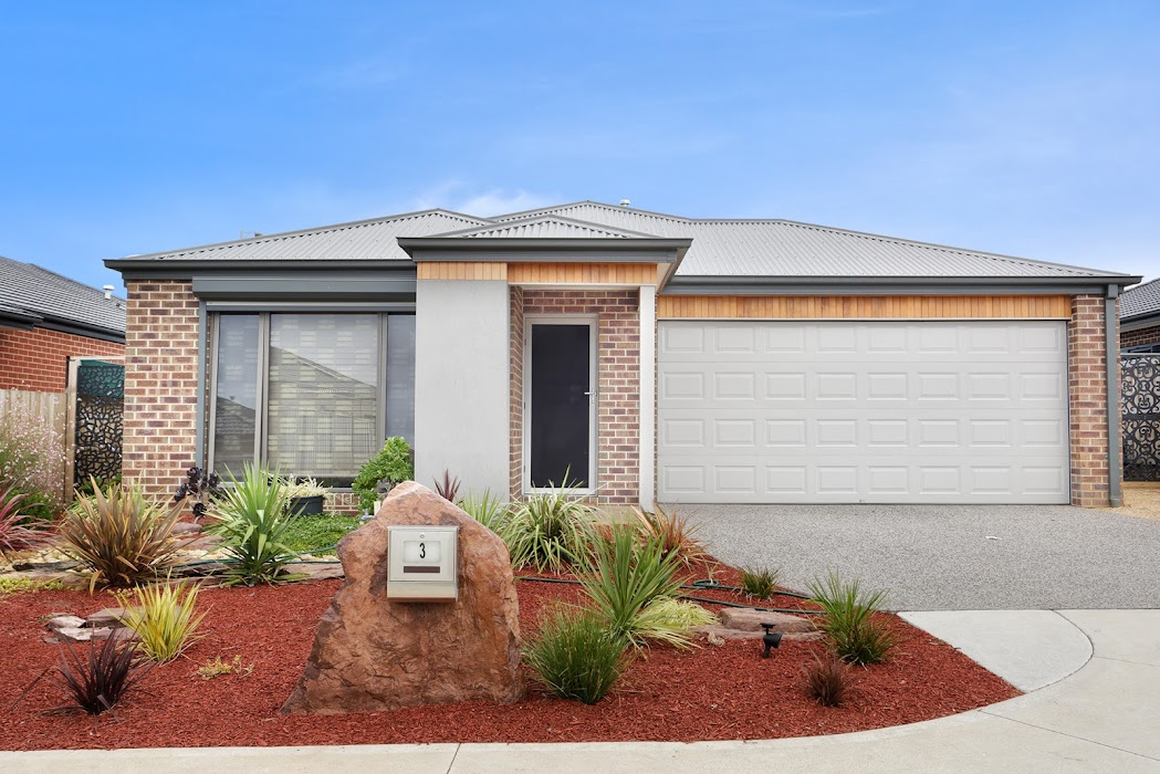 Main photo of property at 3 Langdon Court, Cranbourne West 3977