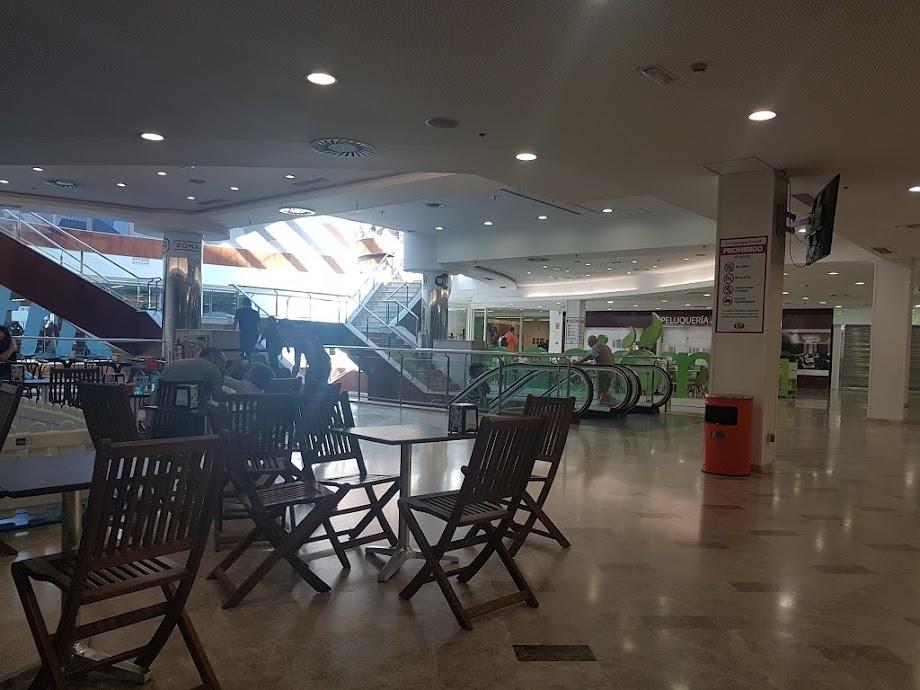 Foto Centro Comercial Praza Elíptica 8
