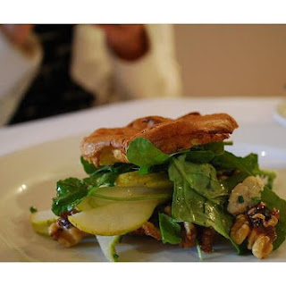 Pear Salad With Walnuts and Blue Cheese.