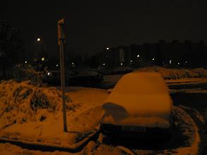 Photo: Ještě vykopat auto ze závěje
