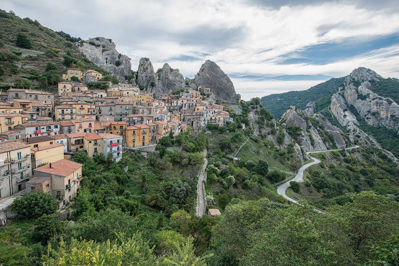 Castelmezzano, cuore delle Dolomiti Lucane di loredana de sole
