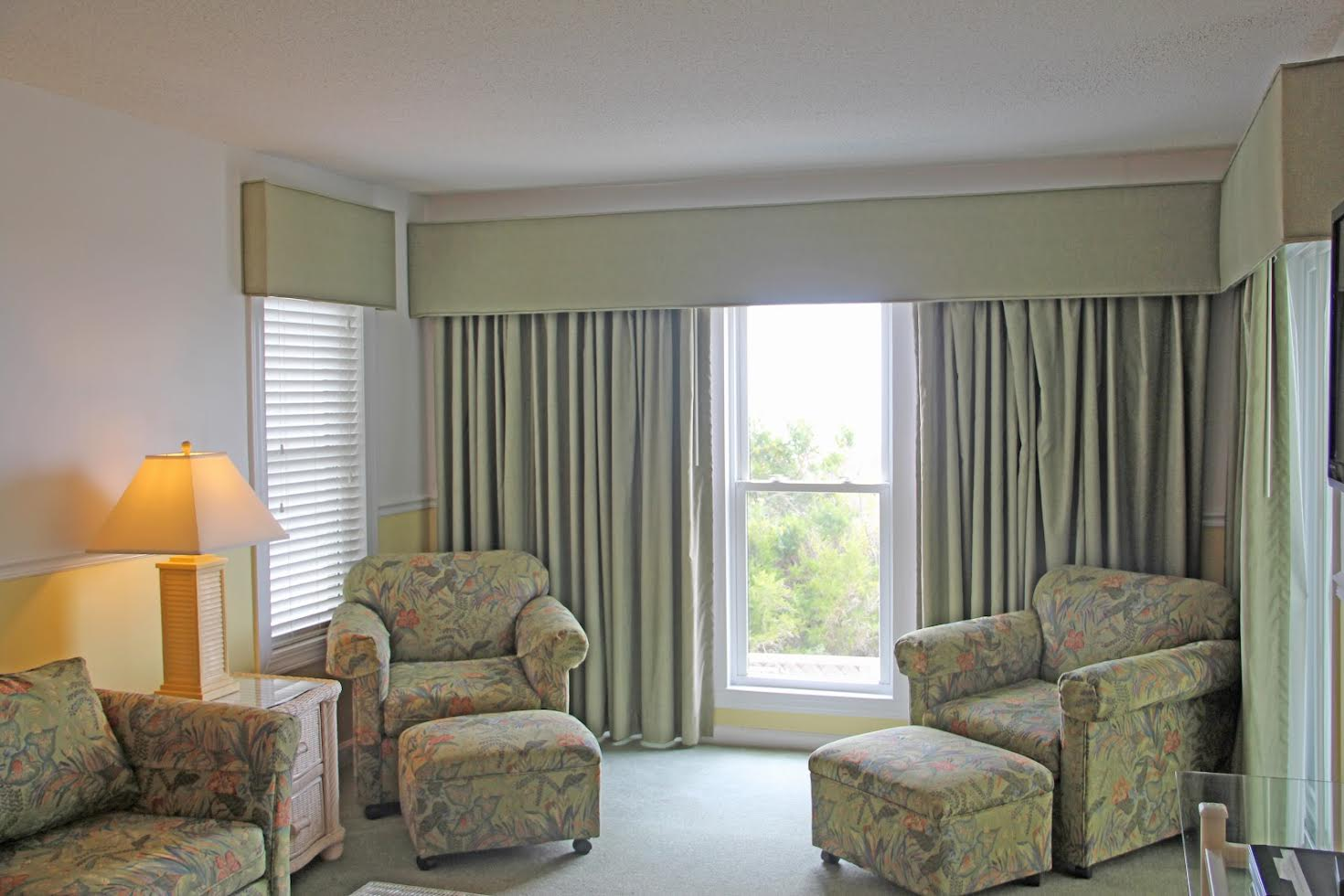 Triple Room with Balcony Picture Number 11