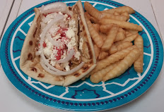 Chicken souvlaki with side