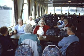 Photo: Vlissingen: op de boot: Dowina Dekker, Aaltje Dekker, Lammie Warrink, Lambert Hadderingh