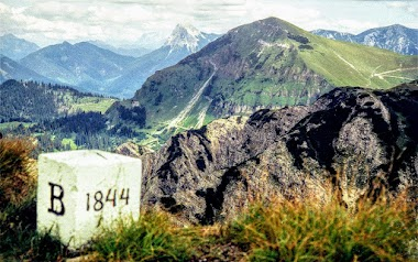 Gipfel Demeljoch, Grenze Bayern, Tirol Blick auf den Juifen