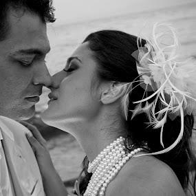 Sofia Camplioni (SC1054) by Sofia Camplioni - Wedding Bride & Groom