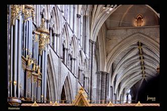 Photo: Westminster Abbey ist eine Kirche in London. Traditionell werden hier die Könige von England gekrönt und beigesetzt.