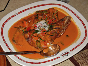 Photo: choo chee curry with sheatfish, Ton Kreuang