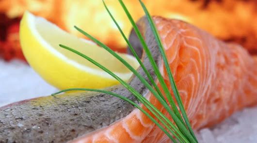 Una manera fácil de cocinar salmón, acompañado de unas ricas verduras