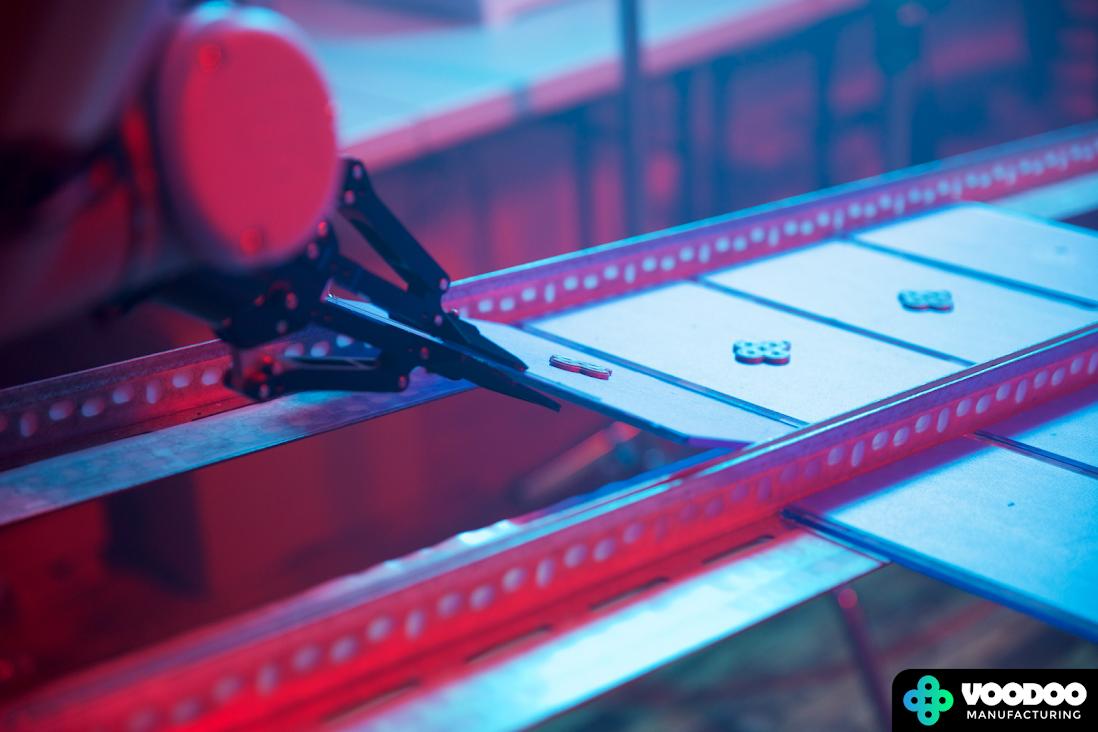 Voodoo Manufacturing нацелилaсь на производство 3D-печати в режиме 24/7 с помощью робота-манипулятора Project Skywalker