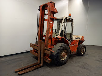 Picture of a MANITOU MC50CP