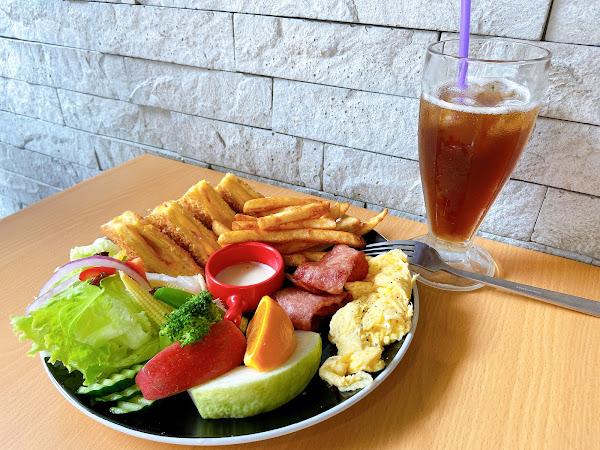 高CP值的早午餐,是我一定會再度光顧的早餐店,美味的食物,還有特色的風味,唇齒之間碰撞出新穎的口感🍙🥪🍞🥰🥰🥰🥰