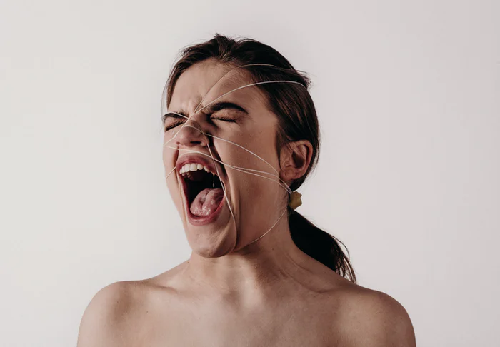 How to stop yelling when frustrated? (Tips)