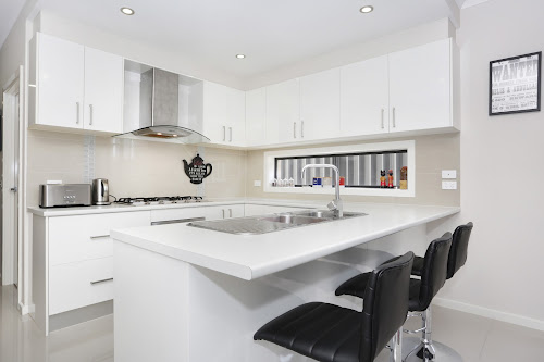 Photo of property at 33 Jonesfield Street, Craigieburn 3064
