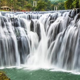 瀑布展現的磅礡感,總讓人震撼不已 by Gary Lu - Nature Up Close Water ( water )