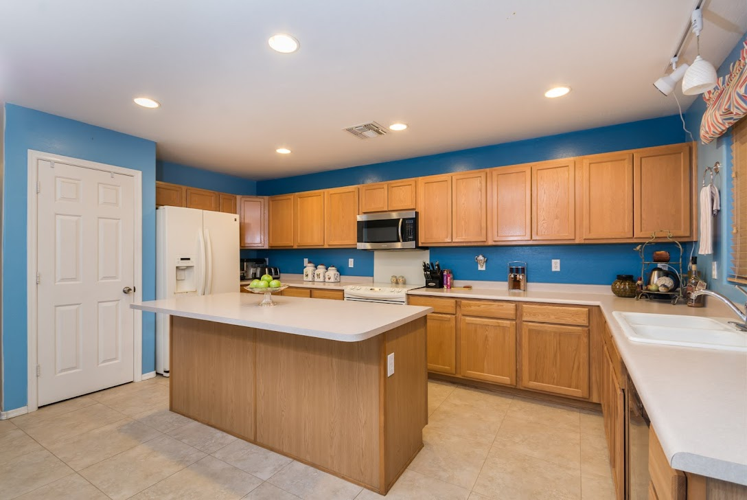 picture of kitchen in Phoenix home for sale AZ