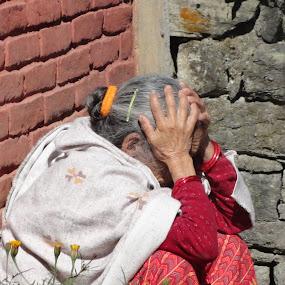 by Ganesh Shahi - People Street & Candids