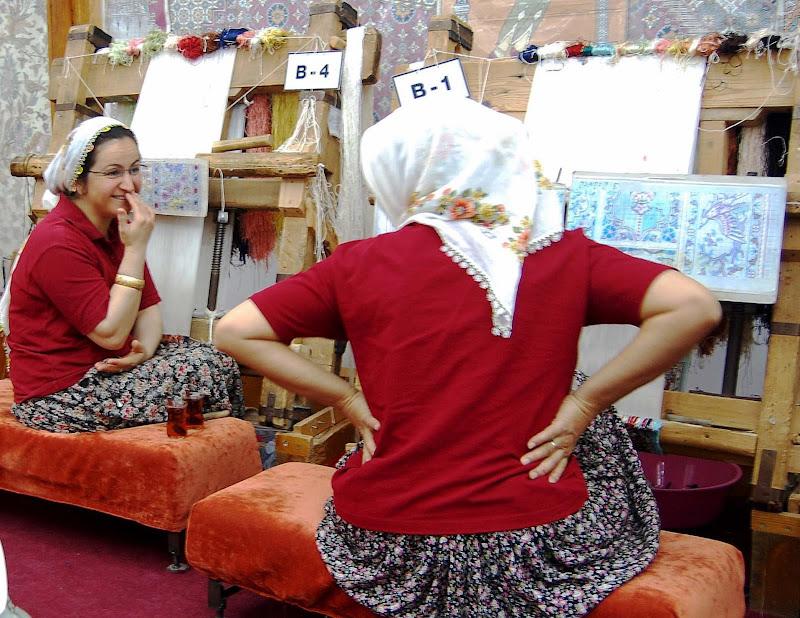 creare uno splendido tappeto,vale un mal.............di vita di luciano55