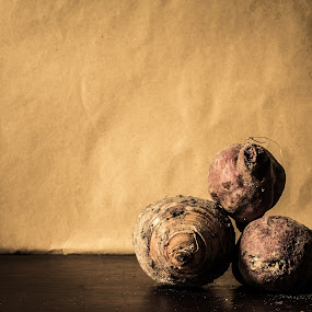 The big small and medium by Lubelter Voy - Food & Drink Ingredients ( cook, dry, purple, roots, bake, health, farm, ingredients, sweet, nature, food, cooking, brown, potato, yam, dirt, soil, produce )