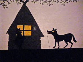 Photo: die drei kleinen Schweinchen: der Wolf
