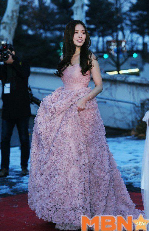naeun gown 13