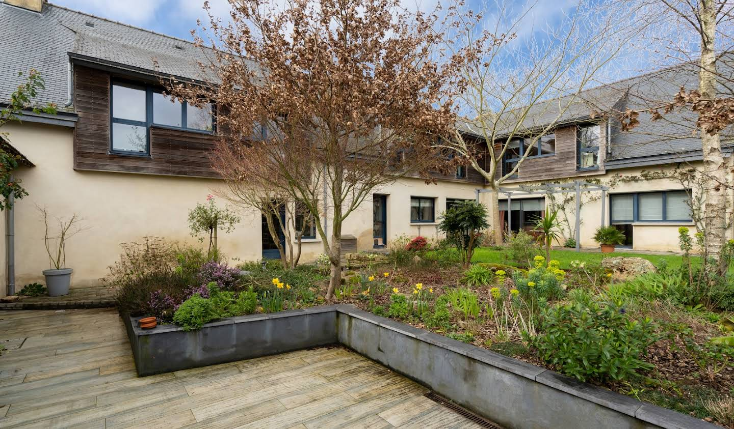 Property with garden Auray