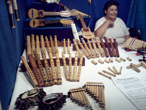 Photo: コスキン 民芸市がたくさん出ていて、どれも興味深いものばかりだった。 http://parajunko.blog.fc2.com/blog-entry-86.html