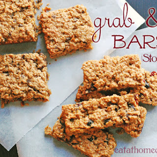 Homemade Grab and Go Snack Bars - Mixed Berry