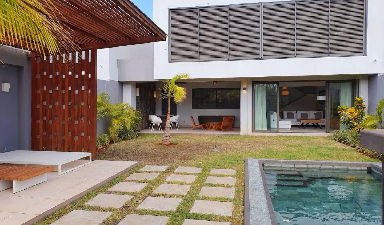 Appartement contemporain avec terrasse et piscine Balaclava