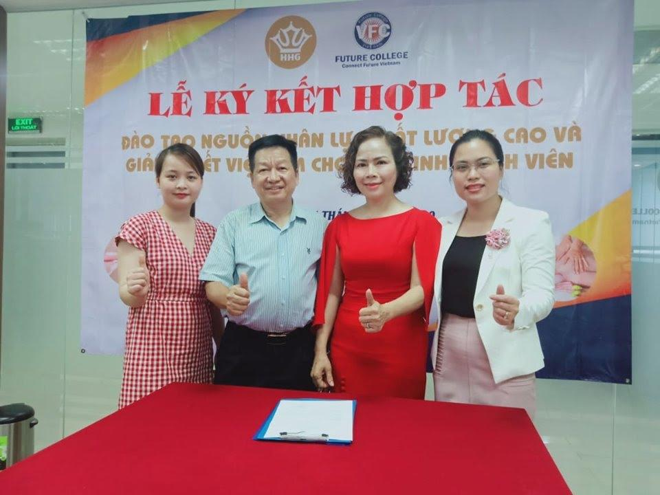 Lễ ký kết hợp tác giữa trường trung cấp Future Việt Nam với Thẩm mỹ viện Hoàng Gia - Ảnh 3