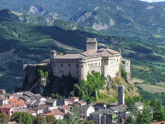 Il Borgo e la Fortezza di Giò Volpi