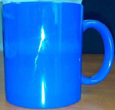 Photo: Магическая чашка синего цвета. Магическая, потому что при наливании кипятка белеет
