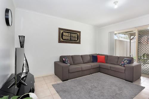 Photo of property at 6 Benaud Place, Epping 3076