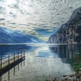 luci ed ombre sul lago by Patrizia Emiliani - Landscapes Waterscapes ( lago, ombre, hdr, montagne, cielo, luci, #GARYFONGDRAMATICLIGHT, #WTFBOBDAVIS,  )