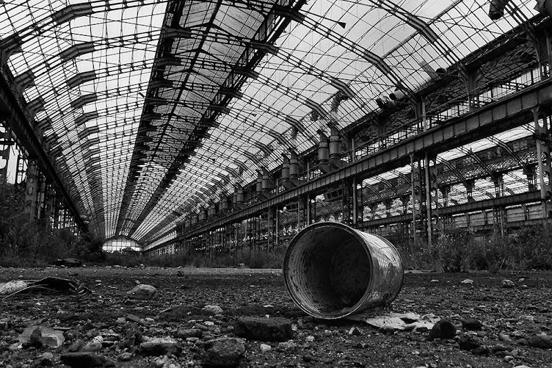 Architettura in abbandono di BASTET-Clara