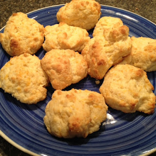Low-Carb Keto Cheesy Garlic Biscuits (Like Red Lobster).