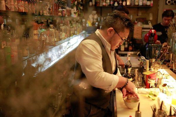 Swagger x Old'98酒吧 – 這裡的調酒很有戲