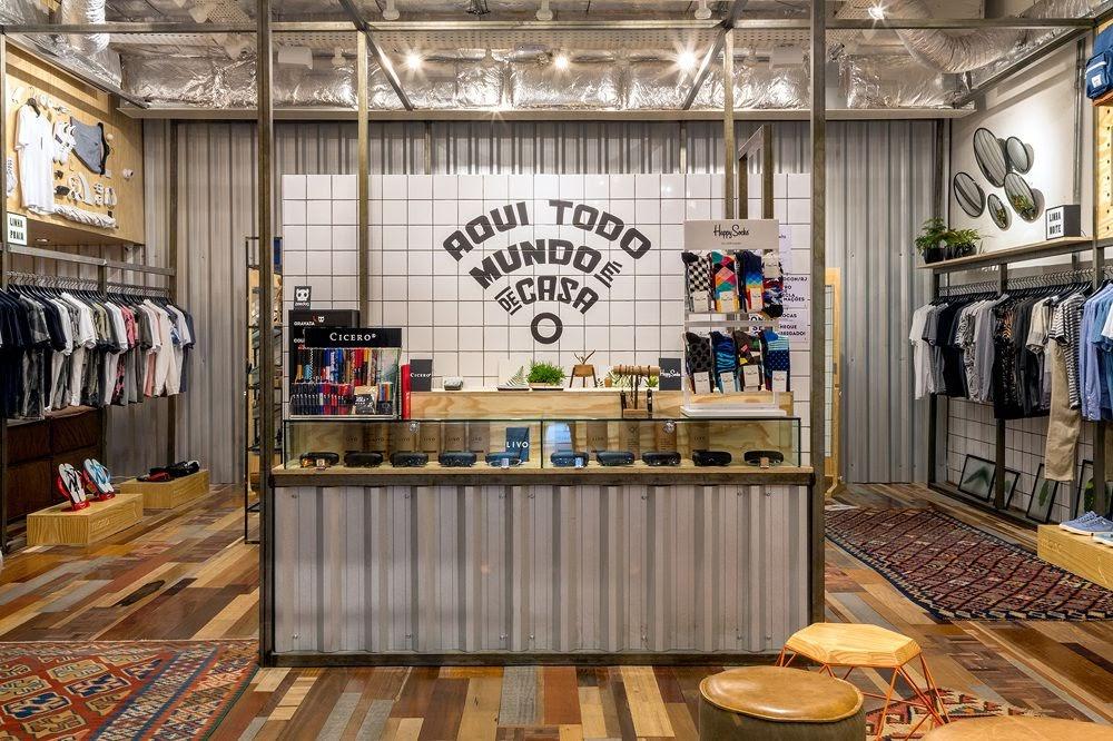 Thiết kế shop thời trang kết hợp quán cafe - thiết kế shop quần áo 11