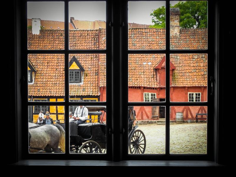 La finestra sul cortile del passato di framas03