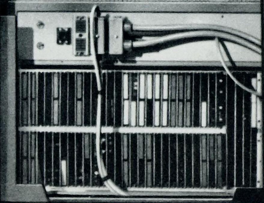 Photo: Rack de 2 fileres de plaques petites del P, excepte memòria, subrutina i programa (les 3 de la dreta). Es veuen el circuits bloc