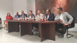 El consejero de Agricultura, Rodrigo Sánchez, se reunió ayer con el alcalde y los regantes de Cuevas del Almanzora.