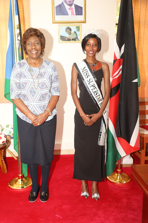 The reigning Miss SuperStar Kenya crown holder, Ms. Nzisa Matulu with governor Charity Ngilu in the latter's office last Friday.