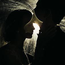 Wedding photographer Vasiliy Tikhomirov (BoraBora). Photo of 10.10.2015