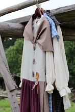 Photo: Naisten perinnehameet