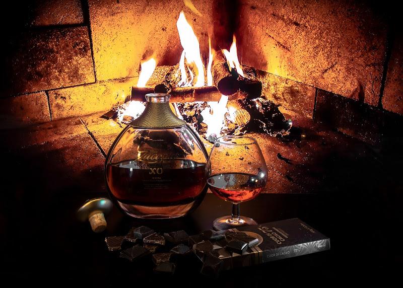 Bottiglia e bicchiere, rum e cioccolato...coppie perfette da relax di Nemesys61