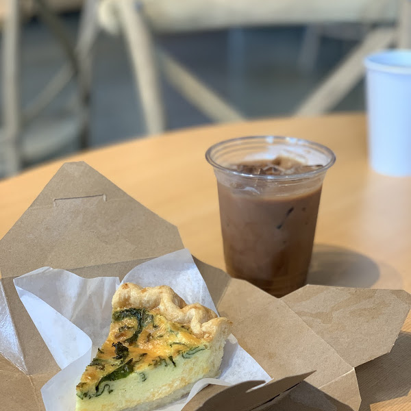 Garlic kale quiche and an iced mocha! 🥰